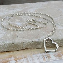 silver-heart-necklace-01