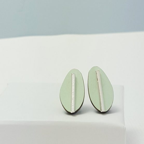 Spectra Medium Reversible Studs in Teal and Pale Green