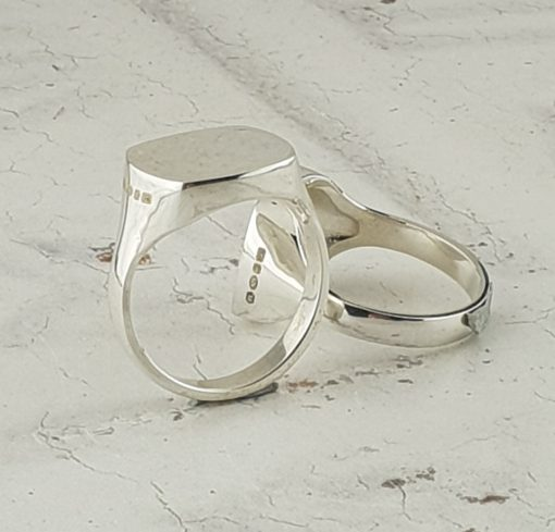 Silver Signet Ring in silver by David-Louis